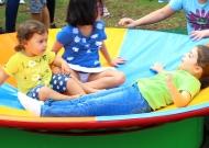 25-parco-giochi-tiggiano-nidondolo-giochi-accessibili-bambini-giostra-piano-oscillante-allenamento-sport-leura