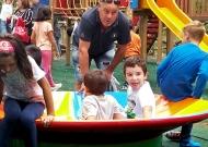 33-parco-giochi-tiggiano-nidondolo-giochi-inclusivi-bambini-disabili-giostra-piano-oscillante-allenamento-sport-leura