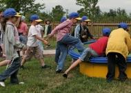 43-parco-gioco-inclusivo-nidondolo-giochi-bambini-disabili-giostra-piano-oscillante-allenamento-sport-leura