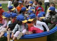 44-parco-gioco-inclusivo-nidondolo-giochi-bambini-disabili-giostra-piano-oscillante-allenamento-sport-leura