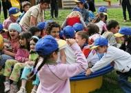 45-parchi-giochi-inclusivi-nidondolo-giochi-bambini-disabili-giostra-piano-oscillante-allenamento-sport-leura