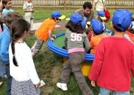 49-parchi-per-tutti-nidondolo-giochi-bambini-disabili-giostra-piano-oscillante-allenamento-sport-leura