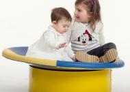 2-nidondolino-gioco-neonati-disabili-famiglia-giostra-asili-piano-oscillante-riabilitazione-leura