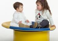 3-nidondolino-gioco-inclusivo-neonatii-disabili-asilo-giostra-piano-oscillante-riabilitazione-leura