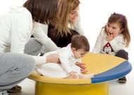 3-nidondolino-gioco-per-tutti-bambini-disabili-famiglia-giostra-piano-oscillante-riabilitazione-leura