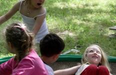 nidondolo-gioco-accessibile-esterno-inclusivo-bimbi-disabili