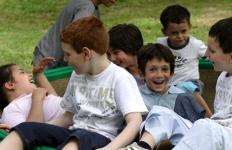 nidondolo-gioco-per-tutti-parco-inclusivo-bambini-disabili
