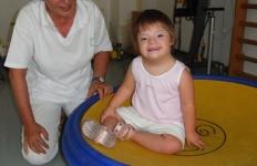 nidondolo-piano-oscillante-neuropsichiatria-infantile-piacenza-gioco-bambini-disabili